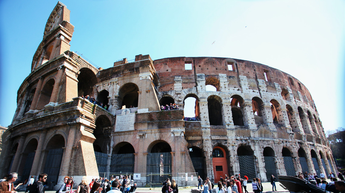 @nikos-meld-toretto #colosseo  #monument  #italy  #summer  #trip