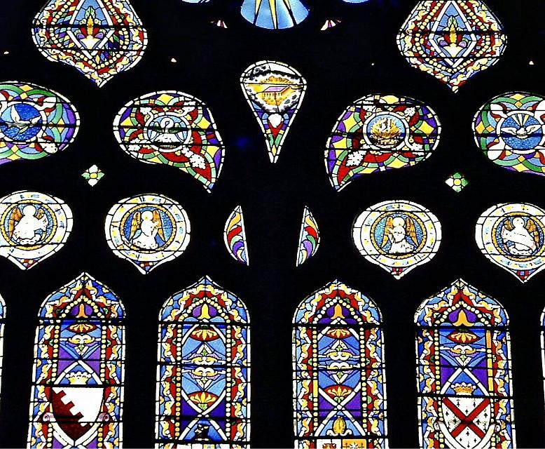 Irlanda. #geometry #colorful #emotions #oldphoto #colouredglasses #summer #travel #church