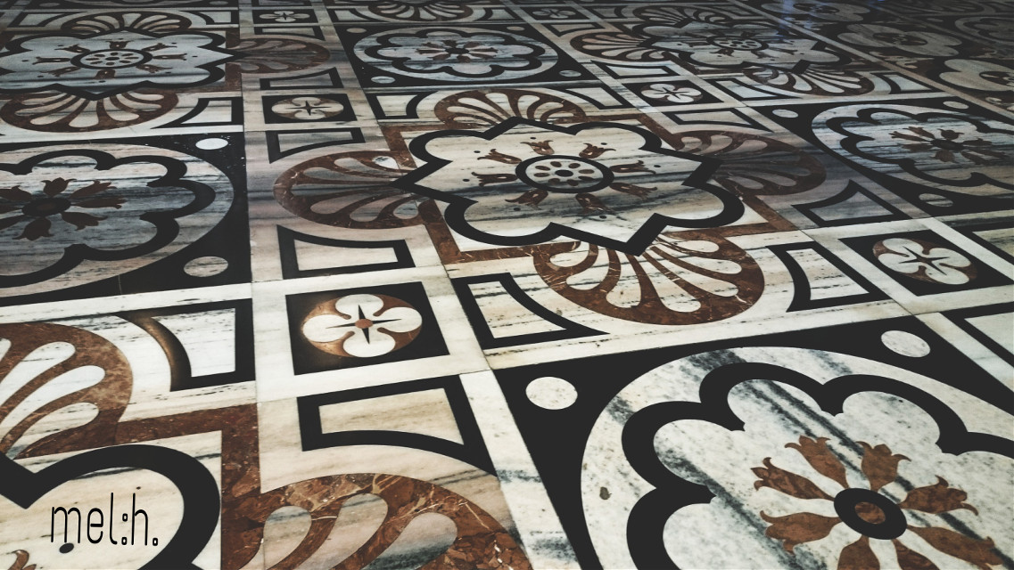 the beautiful floor #blackandwhite #doumomilano #photography #travel #buildings